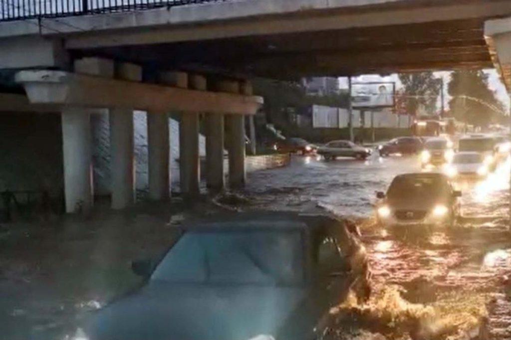 ВРоссии продолжаются наводнения иураганные ветра
