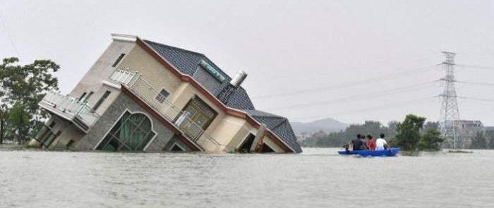 ВКитае из-за ливней может прорваться водохранилище крупнейшей вмире ГЭС