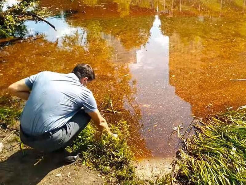 НаХимкинском водохранилище под Москвой произошел крупный разлив нефтепродуктов
