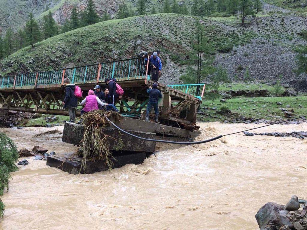 ВТуве паводком смыло 10 мостов