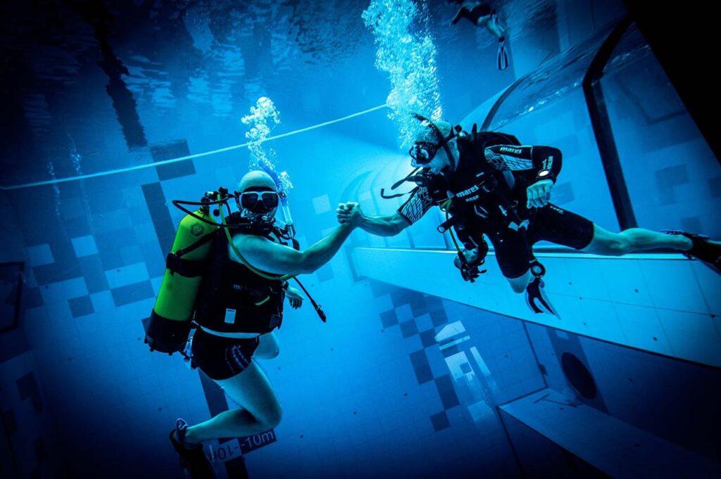 ВПольше открылся бассейн глубиной 45 метров