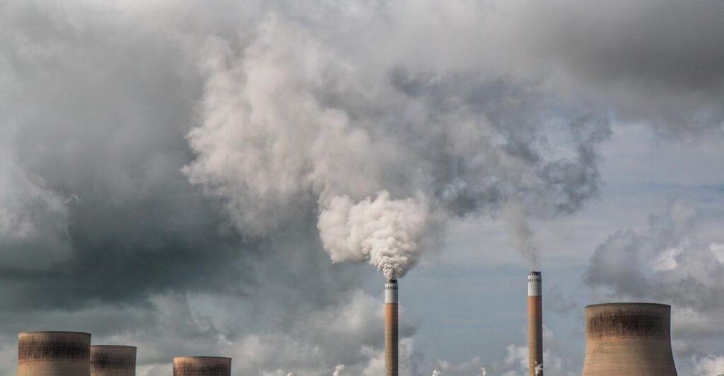 Поставлен рекорд загрязнения атмосферы вРоссии за16 лет