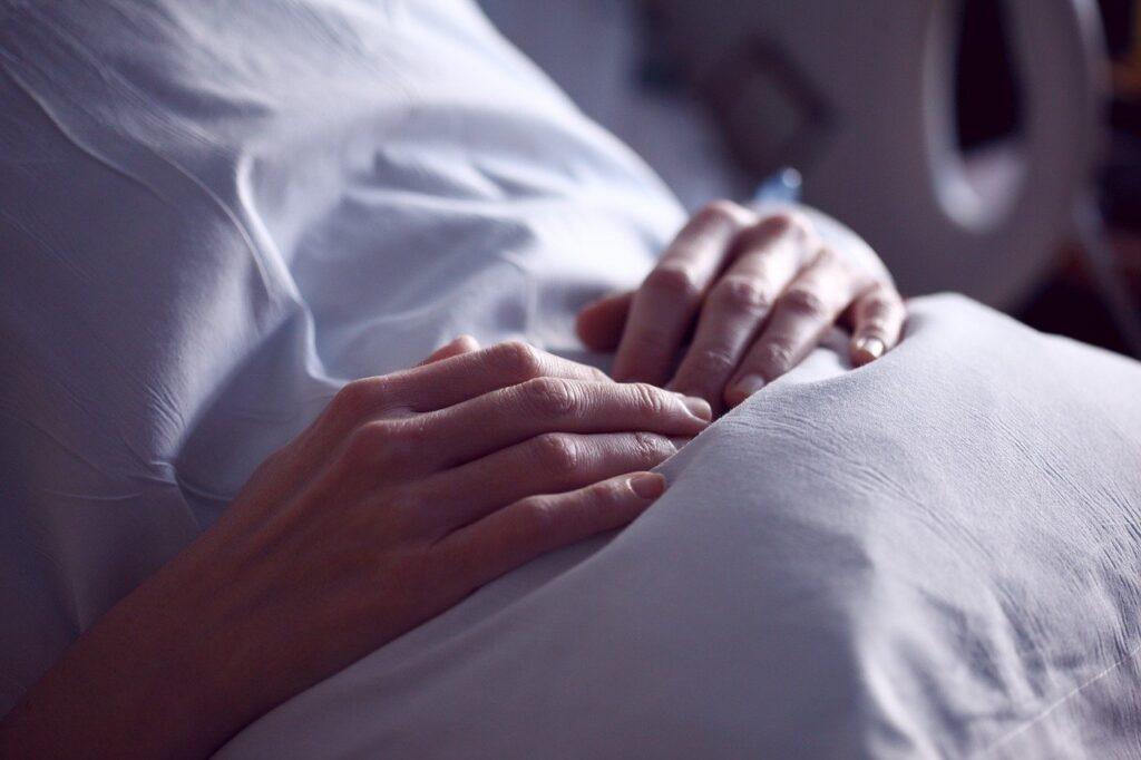 Ученые показали, что коронавирус COVID-19 убивает втрое чаще обычного гриппа