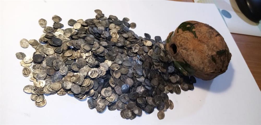 ВНовгороде впервые нашли клад серебряных монет 17 века
