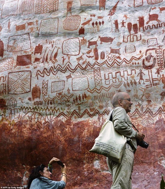 Огромную стену сдоисторическими наскальными рисунками нашли вКолумбии