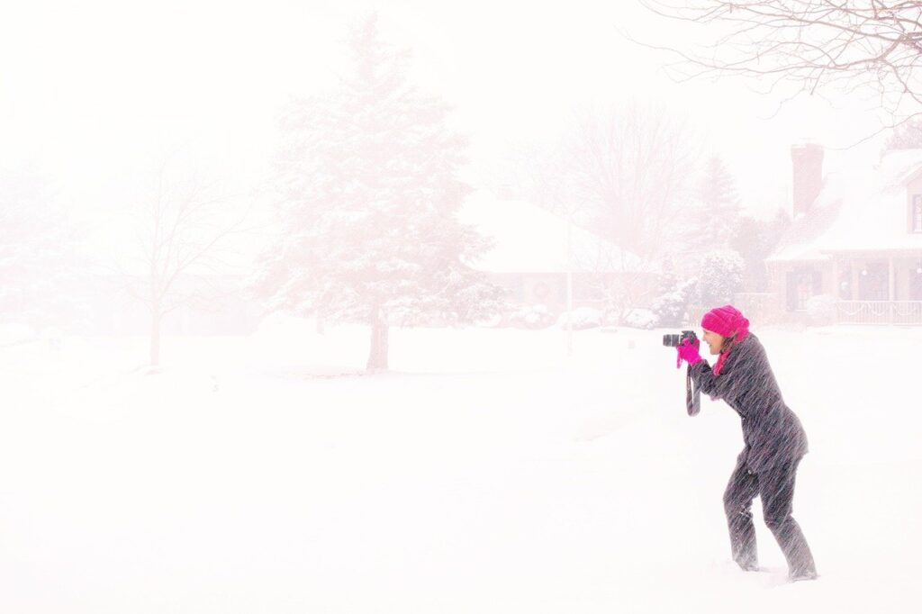 ВМоскве выпавшего снега хватилобы нагигантского снеговика с4 останкинских башни высотой