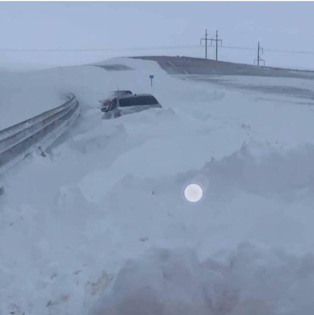 Вряде районов Крыма ввели режимЧС из-за снегопадов
