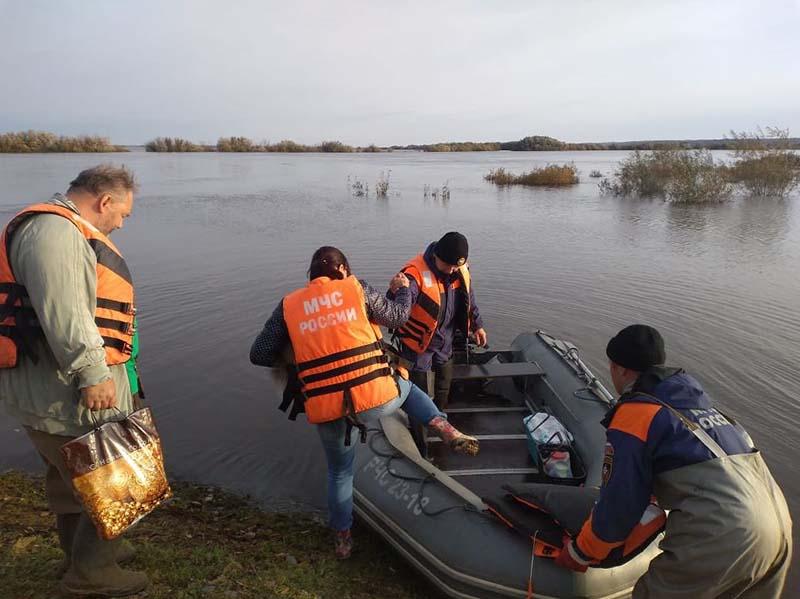 Паводковые воды подтопили несколько регионов вРоссии