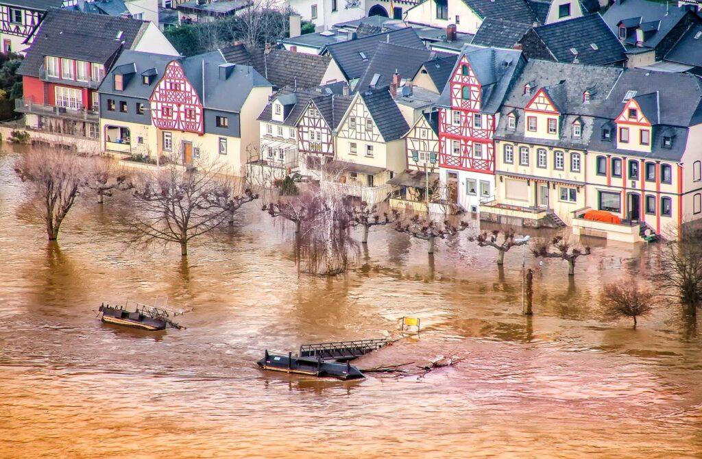 Изменение климата увеличивает экстремальные осадки ивероятность наводнений