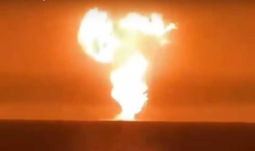 ВКаспийском море произошел загадочный взрыв смощным выбросом пламени