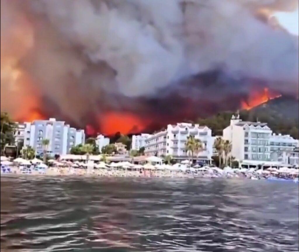 Из-за пожаров вТурции эвакуировали 27 районов