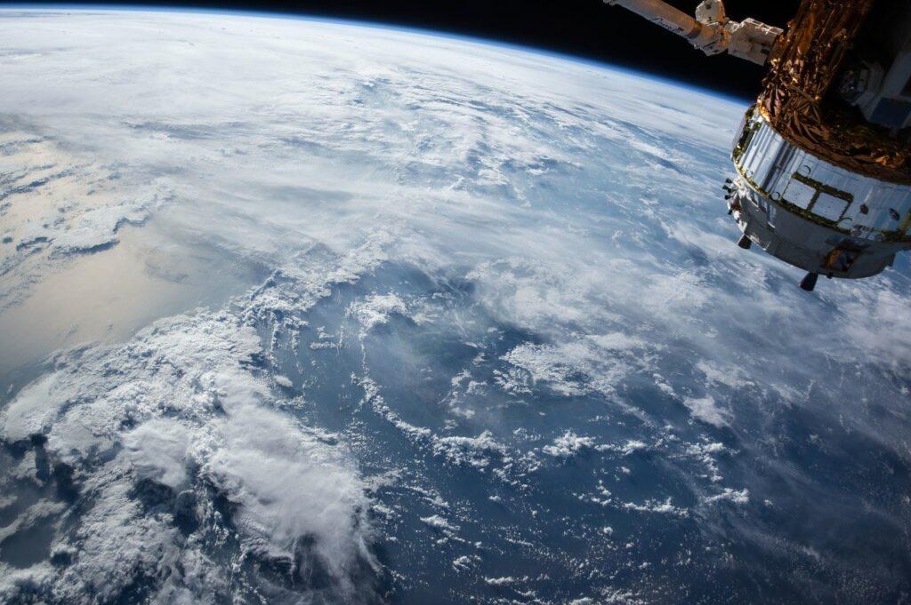 Ведущие климатологи рассказали— что ждет Россию из-за изменения климата