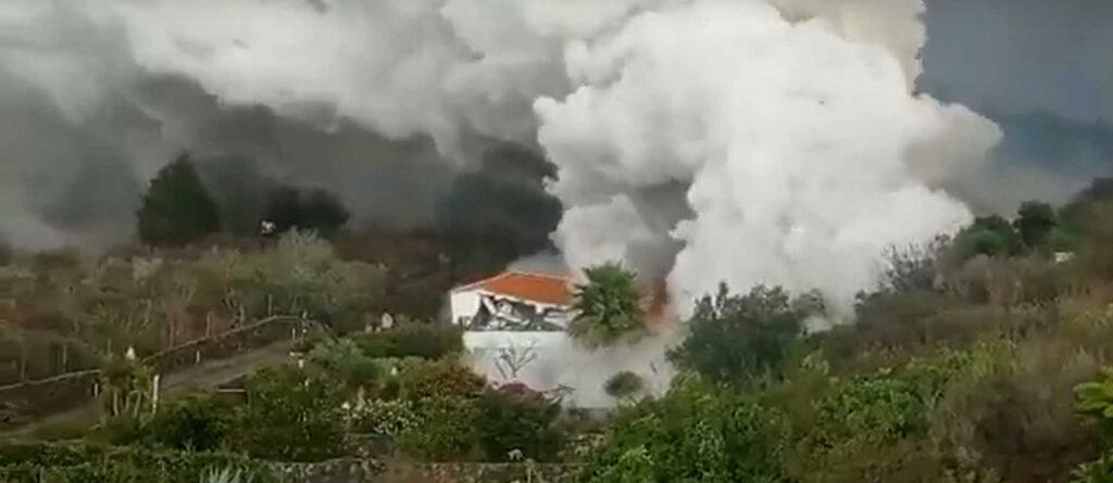 Из-за извержения вулкана наКанарах эвакуировали две тысячи жителей